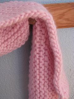 Fluffy_scarf_close_small2