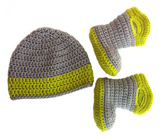 Booties_and_hat_small2