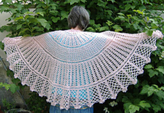 Big_love_shawl1_dscf3606_small2