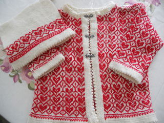Juliana_s_finished_heart_cardigan_small2