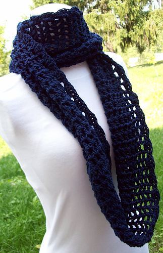 Endless_circle_filet_scarf_012_medium