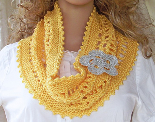 Sunshine_yellow_chain_lace_cowl_4__copy__small2