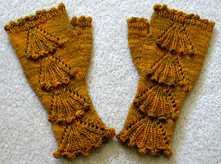 Fan-cy_fingerless_mitts_1_small2