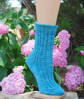 Lacy_fountain_sock_small2