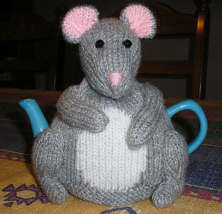 Mouse_tea_cosy_small2