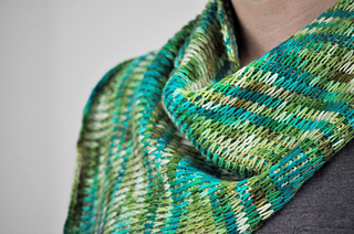 Slipped_stitch_shawl_3_small2