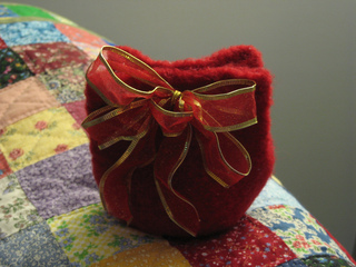 Red_gift_bag_small2