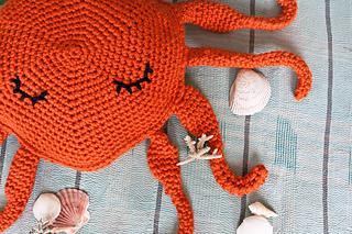 Sleepy_octopus_3_small2