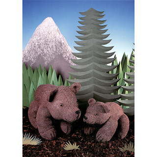 Knitted_grizzly_bears_small2