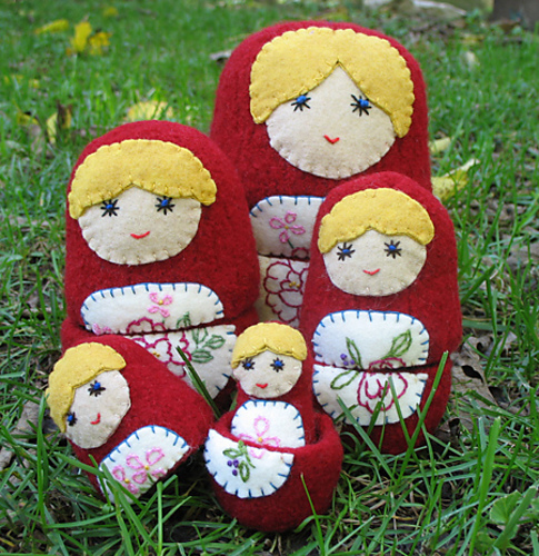 Anything Knitted and Crocheted: Matryoshka, Babushka, Nesting Dolls...