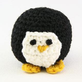 Crochet_penguin_small2