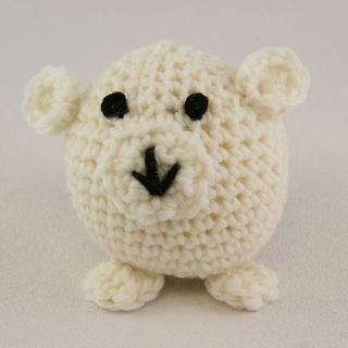 Crochet_polar_bear_small2