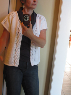 Carole_s_zoe_s_cardi_june_2010_011_small2