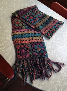 Donna_scarf_2_small2