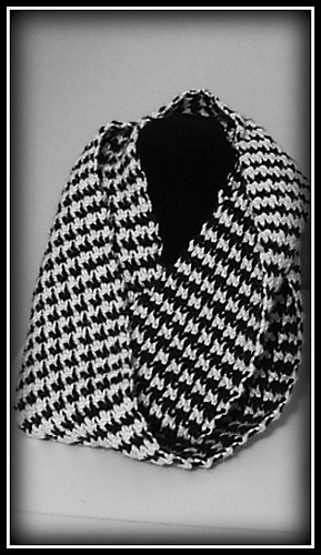 Hounds-tooth-scarf_medium_medium
