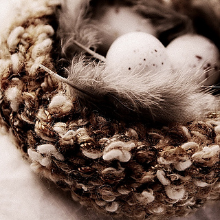 Knitted_nest_easter_2013_1_small2