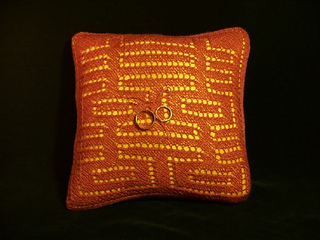 Front_20of_20pillow_20w_20rings_small2