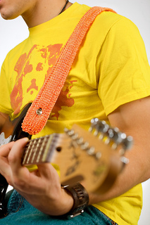Guitar_strap3_by_shalini_small2