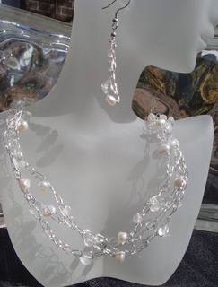 Crystal_crochet_necklace_small2