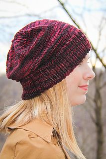 Crimp_hat_side_view_the_knitting_vortext_small2