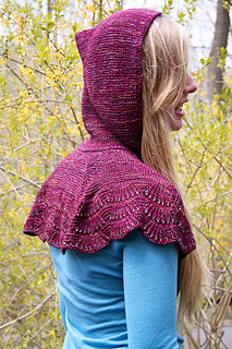 Escallop_capelet_last_look_the_knitting_vortex_small2