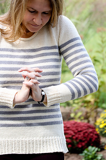 Elizabel_sweater7_the_knitting_vortex_small2
