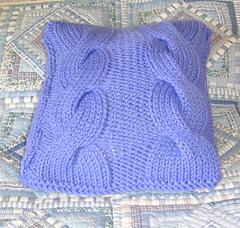Knot_garden_cushion_001_small