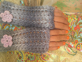 Mitts-merino-soy-gray1_small2