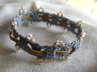 Beaded-weave-bracelet-2_small2