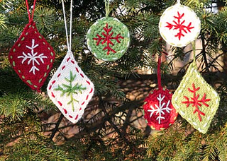 6_ornaments_small_small2