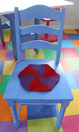 Swirly_twirly_chair_pad__3_for_webpage_medium