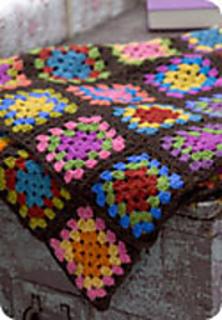 Crochetgrannysquareafghan_small2