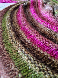 New_years_ever_quaker_yarn_stretcher_circular_close_up_small2