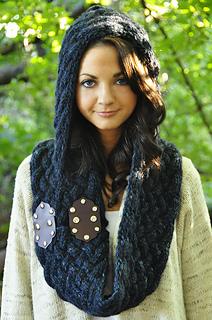 Maschera_hooded_cowl_scarf_2_small2