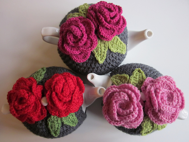 Easy Tea Cosy Knitting Pattern Free : Leah s Rose Tea Cosies Cosy Tea Blog