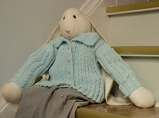 Cabled_baby_sweater_small2