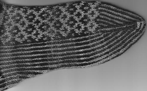 Grey_tone_sock_medium