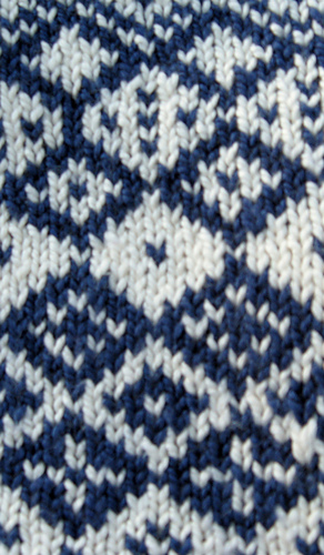 Allotrope_blue_cowl_11_medium