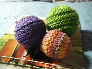 Yarn_balls_001_small2
