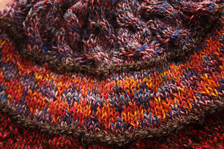 Swatch_hat_-_colorwork_close_up_small2