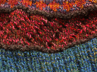 Swatch_hat_-_lace_close_up_small2