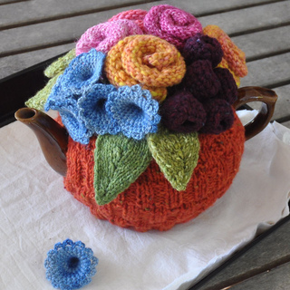 Garden_orange_tea_cosy_2_small2