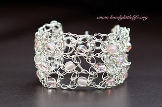 Wire_bracelet_small2