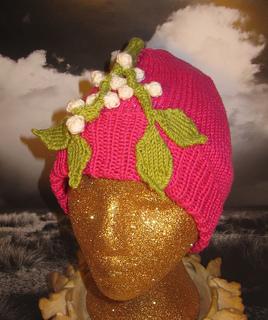 Mistletoe_beanie4_small2