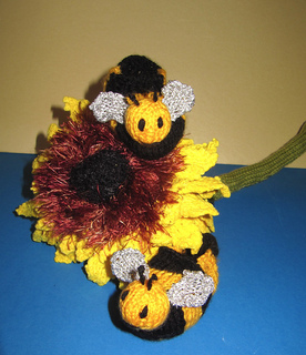 Baby_buzzy_bee_boots_knitting_pattern_by_madmonkeyknits6_small2