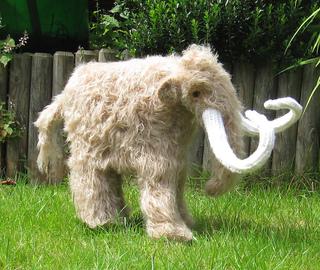 Mammoth_woolly_mammoth_by_madmonkeyknits1_small2