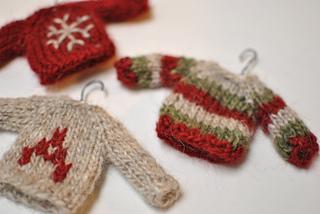 Mini_sweaters_small2