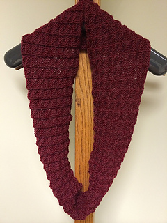 Moulin_rouge_cowl4_small2