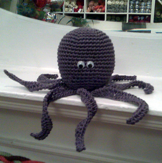 Pollie_the_octopus_1_small2