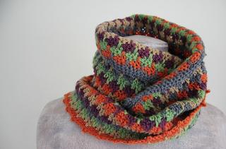 Bastet_crochet_cowl_b_small2